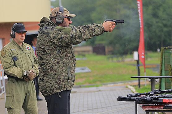 pistolet_PL_14_vrez2_600